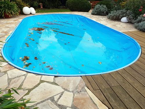 Medencefedés, a biztonságosabb medencéhez!